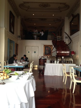 San Leonardo Puebla: Vista hacia el piso superior del restaurante