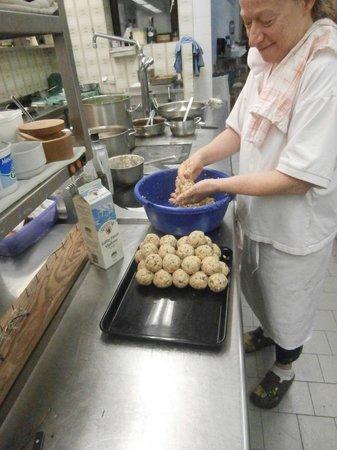 Pretzhof: Frau Meier in kitchen making dumplings