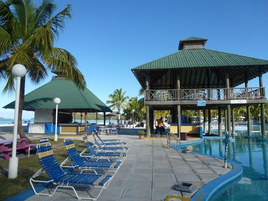 Hotel picture of jolly beach resort spa bolans for Club piscine montreal locations