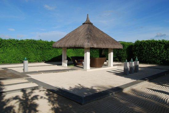 Sofitel So Mauritius:                   pavillon d'accueil c'est mieux que l'île fantastique!!!