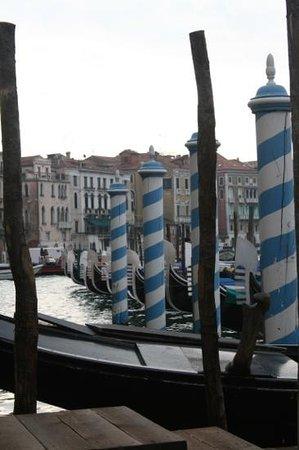 Ca'Sagredo Hotel:                   gondola landing deck next to the hotel.