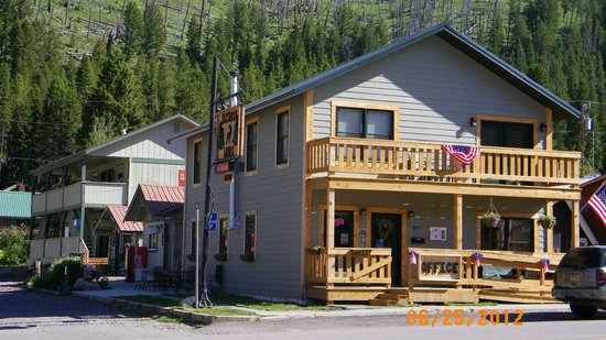 Cooke City's Elk Horn Lodge :                   Elkhorn Lodge