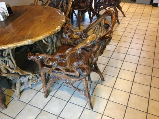 Super 8 Buena Vista : The tables and chair in the breakfast area were works of art.