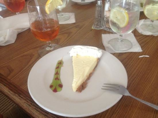 Tarpon Lodge Restaurant:                   key lime pie