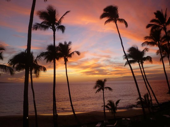 The Hale Pau Hana:                   watching the sunset from lanai