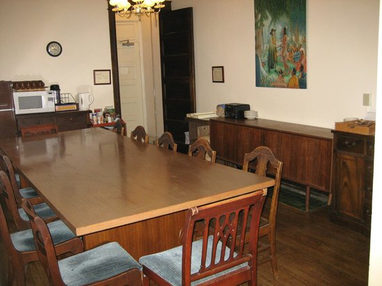William Penn House: Guest dining room and cooking facilities