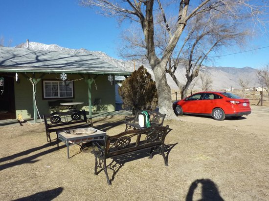 Olancha RV Park and Motel:                   frontgarden with fireplace