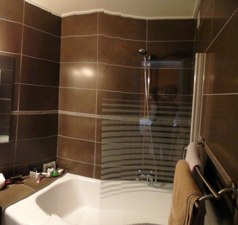 Hotel Gourmets et Italy:                   Deluxe Bath