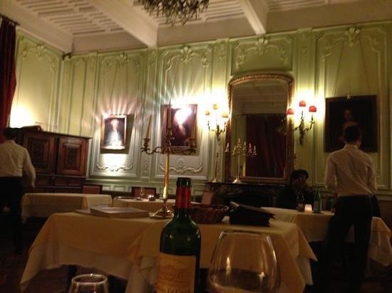 Chateau de la Commanderie :                   The room