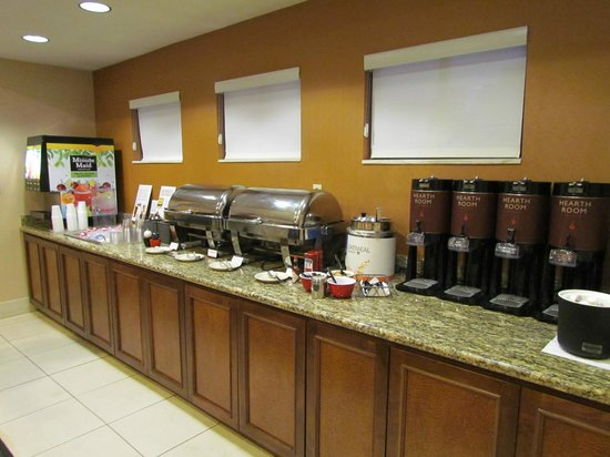 Residence Inn Louisville East: HomeTouch™ breakfast buffet