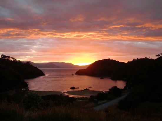 Ruggedy Range Wilderness Experience:                   Sunset over Deep bay