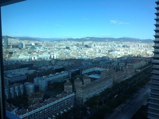 ‪هوتل آرتس برشلونة: view of Barcelona from Executive Lounge‬