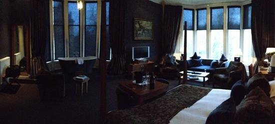 Hotel du Vin at One Devonshire Gardens:                   panoramic view of the Robert Mondavi room