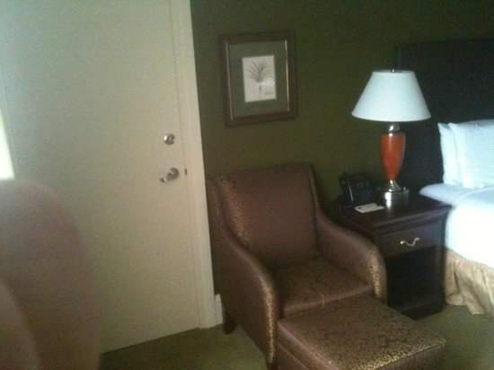 Rosen Centre Hotel:                   Nice Sitting chair with Ottoman