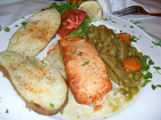Finikas :                   Grilled salmon