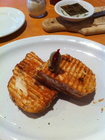 Riganato Old World Grille : Beef and Cheddar panini