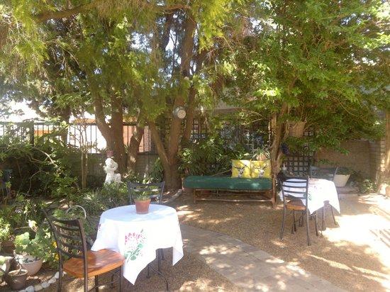 Simonsberg Guest House:                   Giardino
