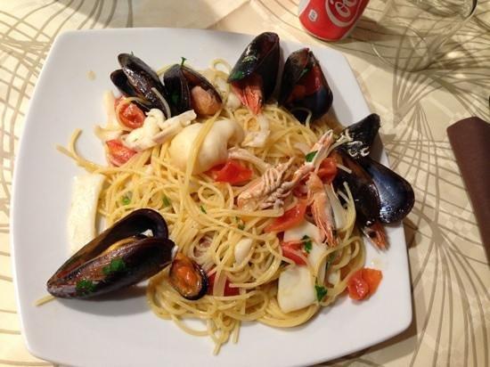 S. Pietro:                   spaghetti allo scoglio