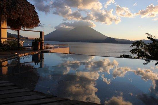 Lake Atitlan:                   Volcano Tomilan