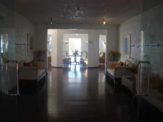 Blue Haven Hotel: from the entry, through the lobby, and out over the pool