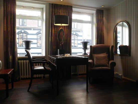 คลาเรียน คอลเล็คชั่น เมย์แฟร์: Lounge