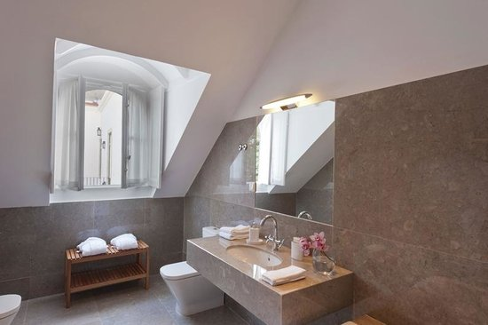 Casa Balthazar: Chalet Suite - bathroom
