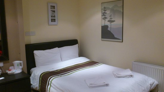Linden House Hotel:                   Our room