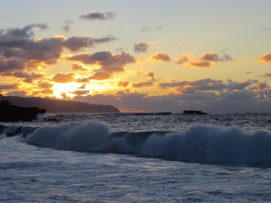 Waimea Bay: Sunset at Waimea