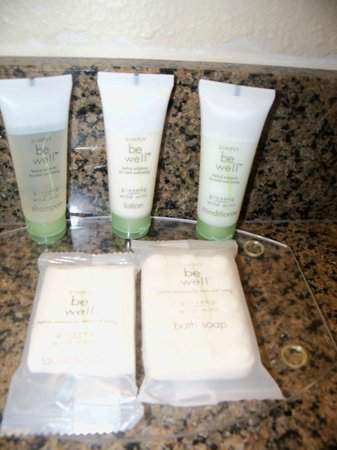 Staybridge Suites Phoenix/Glendale:                   Bathroom Bath Products
