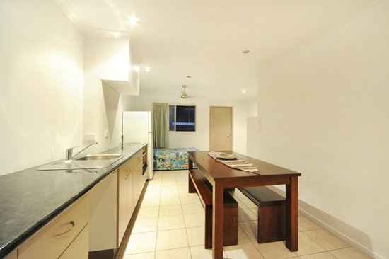 Airlie Beach Motor Lodge: Two Bedroom Townhouse kitchen