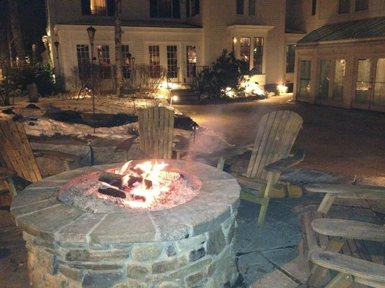 Harraseeket Inn: Outdoor Fire Pit