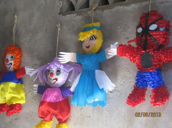 Human Connections - Day Tours:                   Home business of Piñata making!