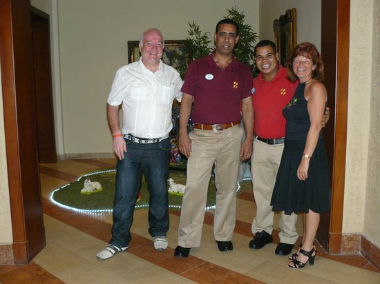 Resta Reef Resort:                   Mohamed and Co. made dining a real pleasure!
