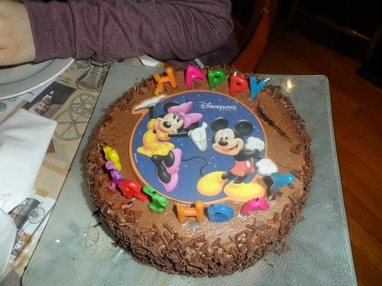 Disneyland Cake Images : birthday cake - Picture of Inventions - Disneyland Paris ...