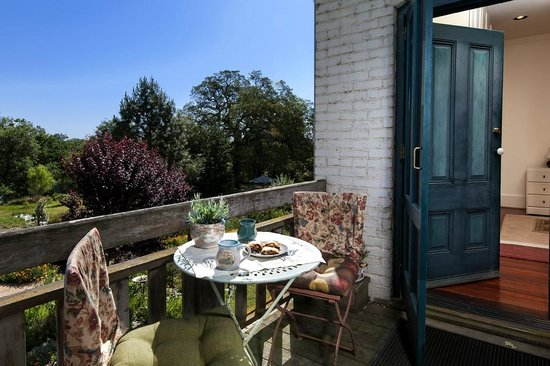 Inn at Locke House: Morning Coffee on Water Tower Suite deck