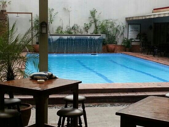 The Oasis Paco Park Hotel:                   the pool in a very good condition