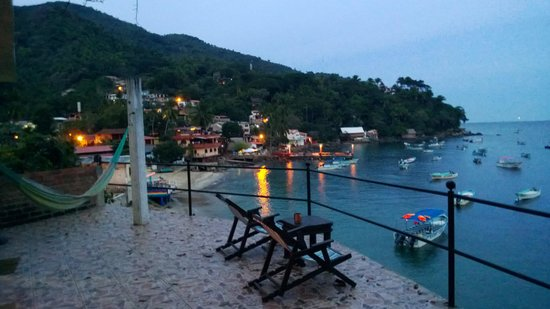 MiraMar Yelapa:                   The morning view from Manta Ray!