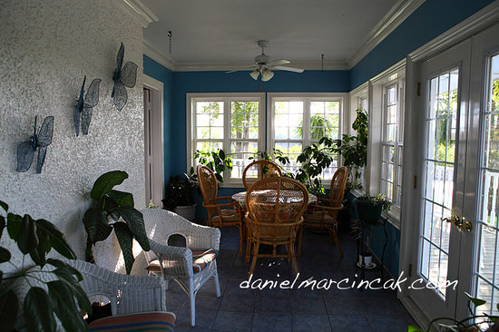 Chestnut Inn: Sunroom
