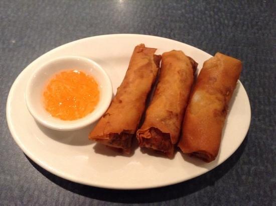 A Taste of Saigon : fried spring rolls with bland sauce