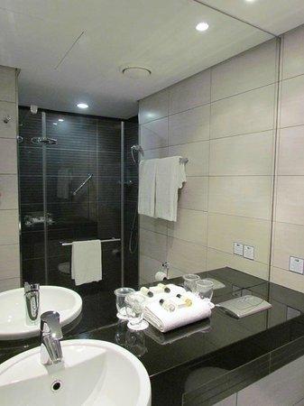 Holiday Inn Express Durban - Umhlanga: Salle de bain