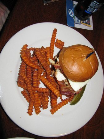 Maddy's Bar & Grille: The average southwest chicken sand with no southwest flavor and the wrong fries