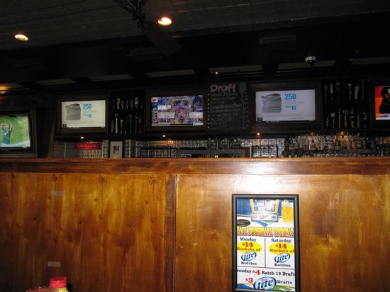Maddy's Bar & Grille: inside from our booth
