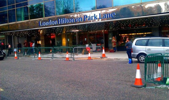 لندن هيلتون في بارك لين:                                     entrance                                  