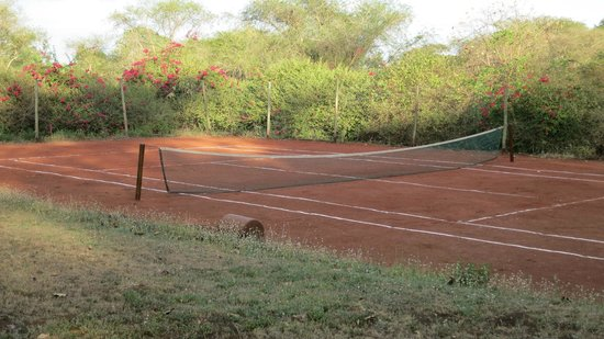Arusha Safari Lodge:                   Tennis court                 