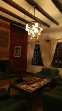 Arusha Safari Lodge :                   lounge/reading area