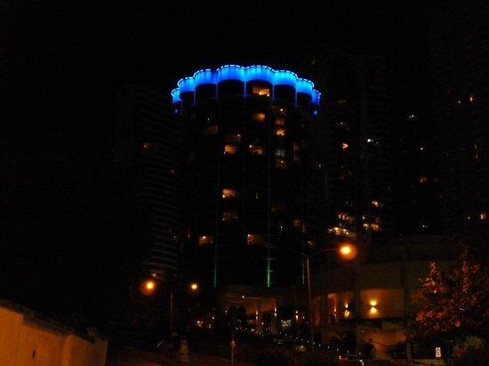Plaza Paitilla Inn:                   Vista nocturna del hotel