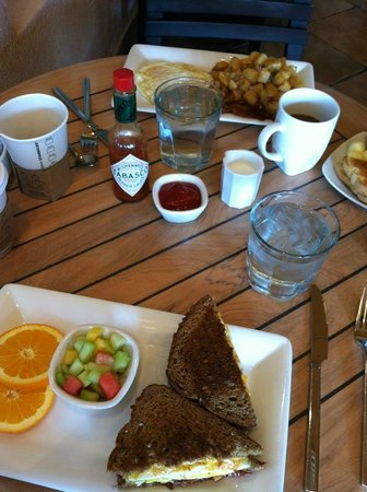 The Westin Mission Hills Villas:                   breakfast at Ocean Grill