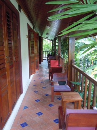 Lotus Villa Boutique Hotel:                   walkway outside rooms on second floor