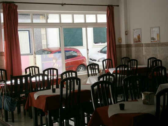 A Bola: Looking into the restaurant from the rear of the restaurant.
