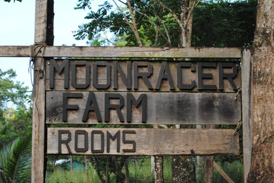 Moonracer Farm Lodging & Tours:                   Moonracer Farm